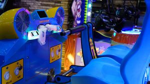 Play arcade games at MaxBowl